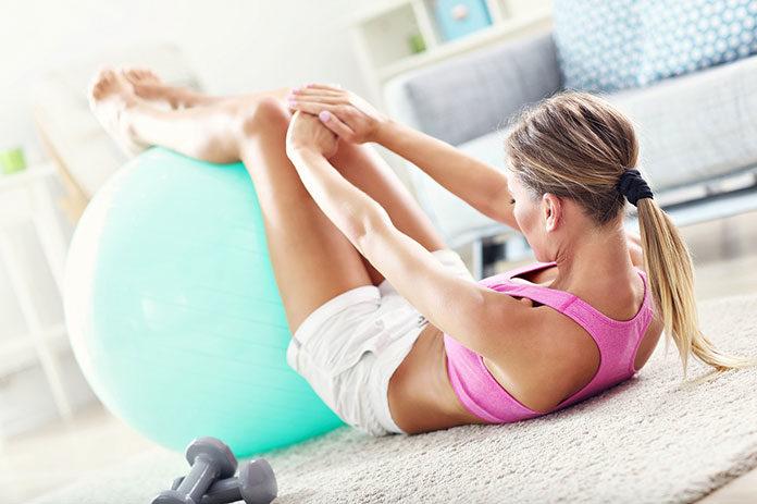 Jak dobrać odpowiedni sprzęt do ćwiczeń fitness w domu?