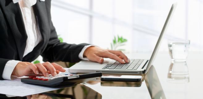Czym jest outsourcing i kiedy warto z niego skorzystać?