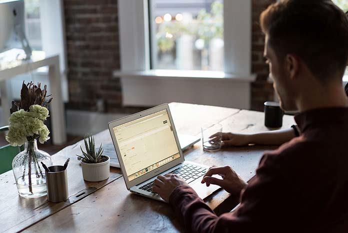 W jaki sposób działają kantory internetowe?