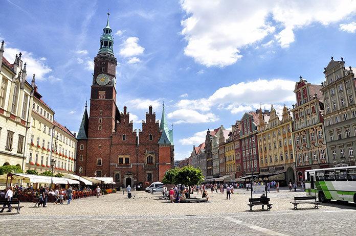 Powierzchnie magazynowe w Polsce – Wrocław goni Warszawę