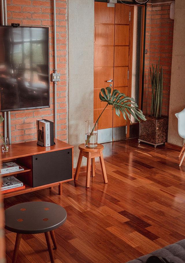 Podłogi drewniane i parkiety
